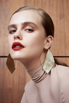 Necklaces Photography Marie Claire UK February 2017 Stina Rapp Wastenson by Olivia Frolich - Photography: Olivia Frolich Styled by: Sophie Qureshi Hair: Bruce Masefield Makeup: Marie Thomsen Model: Stina Rapp Wastenson Jewelry Editorial, Beauty Editorial, Editorial Fashion, Fashion Jewelry Necklaces, Fashion Necklace, Gold Jewellery, Fashion Jewellery, Jewelry Gifts, Jewelry Photography