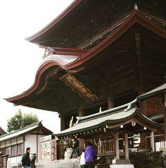この阿蘇神社が #熊本地震 #阿蘇神社 by arukodou