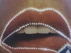 ...Light 'em up lips!!