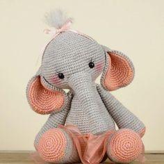 In this article we share amigurumi animal free crochet patterns. I wish you enjoyable knitting. Amigurumi toys are beautiful. Crochet Elephant Pattern, Crochet Patterns Amigurumi, Crochet Blanket Patterns, Baby Blanket Crochet, Crochet Dolls, Crochet Baby, Elephant Applique, Free Crochet, Little Doll