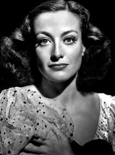 Joan Crawford was an American actress in film, television and theatre. Charming, beautifully, effectively and seductively - Joan Crawford was voted the tenth greatest female star in the history of American cinema by the American Film Institute. Golden Age Of Hollywood, Vintage Hollywood, Hollywood Stars, Classic Hollywood, Hollywood Glamour, Hollywood Icons, Hollywood Divas, Joan Crawford, Bette Davis