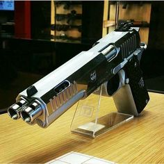 Dubble barrel hand gun