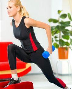 mulher treinando em casa - Foto: Getty Images