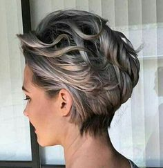Love the color Silvery Blonde Wavy Pixie Bob Short Hair With Layers, Short Hair Cuts, Short Wavy, Short Pixie, Bobs For Wavy Hair, Color For Short Hair, Thick Hair, Stylish Short Haircuts, Longer Pixie Haircut
