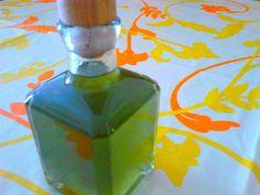Il liquore al finocchietto aiuta a digerire. E' molto indicato da offrire a fine pasto ed ha un profumo gradevole e delicato.