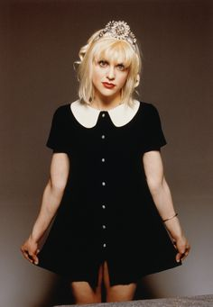Courtney Love. Peter Pan collar button front dress.