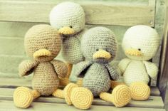 patito crema muñeco amigurumi lana,abalorios crochet,costura