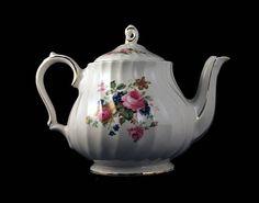 Sadler Teapot Number 4199 Lidded Teapot 4 Cup Floral