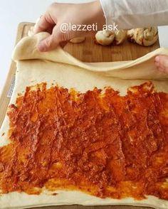 """7,140 Likes, 97 Comments - lezzet-i_ask (@lezzeti_ask) on Instagram: """"Yumuşacık bir hamur, arada tereyag,ceviz ve acuka..Yiyenlerden tam not alan nefis bir tarif oldu …"""""""
