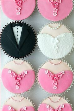 Wedding Dress and Tuxedo Cupcakes