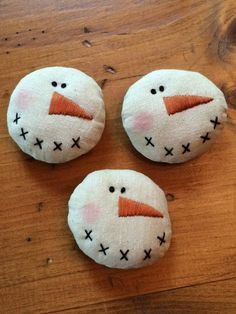 Items similar to Primitive Snowman Bowl Fillers by Starry Nites Farm; set of thr… – haarschnitte Items similar to Primitive Snowman Bowl Fillers by Starry Nites Farm; set of thr… – Christmas Bowl, Christmas Ornament Crafts, Snowman Crafts, Primitive Christmas, Christmas In July, Felt Ornaments, Christmas Snowman, Christmas Projects, Holiday Crafts