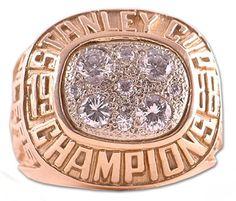 Edmonton Oilers - 1988 Stanley Cup Ring Stanley Cup Rings, Ring Of Honor, Ice Hockey Teams, Ice Castles, Championship Rings, Edmonton Oilers, National Hockey League, Nhl, Bling