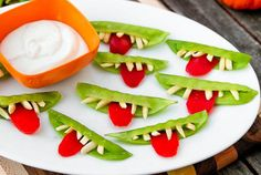 Here's another fun idea I may try! @Fruits_Veggies @dandy_fresh #spookysnacks