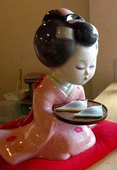 """おたべちゃん Otabe-chan (mascot of famous wagashi """"Otabe"""" in Kyoto, Japan) Japanese Colors, Nippon, Japan Style, Japanese Sweets, Chinese Ceramics, Cute Little Things, Japanese Painting, Kyoto Japan, Studio Art"""