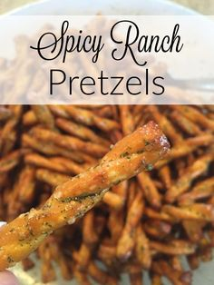 Pretzel Snacks for Party (simple snack idea!) These pretzels are easy, freeze well and are absolutely fantastic! Snack mix recipes – spicy pretzels – finger foods – whatever it is that you're after, these are awesome to have on hand! Snack Mix Recipes, Spicy Recipes, Yummy Snacks, Appetizer Recipes, Cooking Recipes, Yummy Food, Snack Mixes, Snacks Homemade, Mini Appetizers