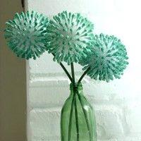 C'est le printemps et nous avons eu envie de confectionner un élément décoratif adapté à la saison : DIY fausse fleur !