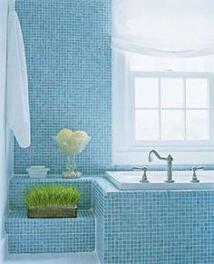 インテリアのヒントに!青色が印象的なバスルーム(お風呂・トイレ・洗面台)の画像集。