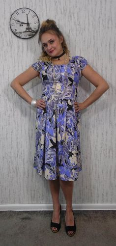 Vintage dress by SweetSpicyVintage on Etsy Vintage Dresses, Vintage Outfits, Size 14, Floral Prints, Summer Dresses, Purple, How To Make, Clothes, Etsy