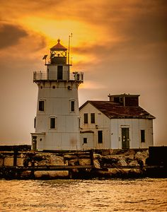 Cleveland Harbor West Breakwall Lighthouse at Sunset. https://photographyunposed.wordpress.com/2012/10/04/some-favorite-sentinels/amp/