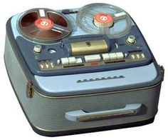 1957 Grundig Tape Recorder In 1957 the largest tape recorder factory in the world is created in Bayreuth, and produced the Portable Tape Recorder with two tape speeds, a sound button. Radios, Retro Vintage, Vintage Items, Tape Recorder, Record Players, Phonograph, The Good Old Days, Retro Design, Design Design