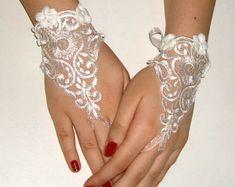 289a9bbb12803 Gants de mariée blanc gants mariage mariée en par elfinhouse Dentelle  Victorienne, Gants En Dentelle