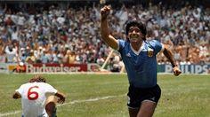 En Tribunales, Maradona le reclama a Claudia que le devuelva las camisetas                              Diego Maradona, a través de su apoderado Matías Morla, volverá a confrontar con su ex mujer, Claudia Villafañe, en el... http://sientemendoza.com/2016/11/17/en-tribunales-maradona-le-reclama-a-claudia-que-le-devuelva-las-camisetas/