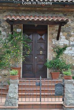 Door of the day    www.cookintuscany.com     #italy #culinary #cooking #school #cookintuscany #tuscany #montefollonico #montepulciano #italy #class #schools #classes #cookery #cucina #travel #tour #trip #vacation #pienza #florence #siena #cook #tuscan #cortona #pienza #pasta #iloveitaly #allinclusive #women #underthetuscansun #wine #vineyard #church #vino #italyiloveyou