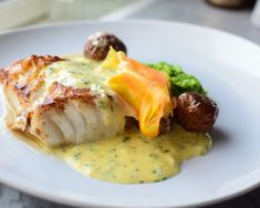 Fish And Seafood, Baked Potato, Food To Make, Nom Nom, Food And Drink, Chicken, Dining, Breakfast, Ethnic Recipes