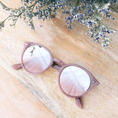 Say hello to your new summer shades. Shop the Ray-Bans in our bio. Say hello to your new summer shades. Shop Ray-Bans in our bio. Round Lens Sunglasses, Cute Sunglasses, Luxury Sunglasses, Cat Eye Sunglasses, Sunglasses Women, Sunnies, Summer Sunglasses, Ray Ban Sunglasses, Fake Glasses