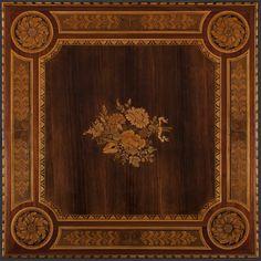 Tavolino da gioco, Giuseppe Maggiolini, Parabiago, 1804. Il mobile è lastronato e intarsiato in palissandro, mogano e legni di frutto. Dimensioni: cm 79x82.
