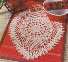 White oval placemat round central part