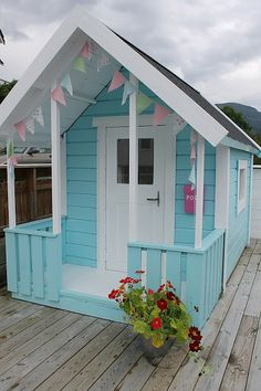 The house by the bay: Welcome into play hut :)