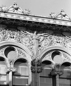 Bayard-Condict Building, the only work of architect Louis Sullivan located in New York City Renaissance Architecture, Classical Architecture, Beautiful Architecture, Architecture Details, Gothic Architecture, Louis Sullivan, Modern Skyscrapers, Chicago School, Prairie School