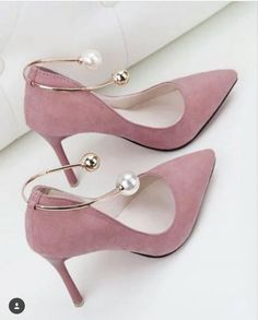 high heels – High Heels Daily Heels, stilettos and women's Shoes Pretty Shoes, Beautiful Shoes, Cute Shoes, Me Too Shoes, Cute Womens Shoes, Guess Shoes, Shoes Women, Dream Shoes, Crazy Shoes