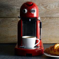 Um amor: #feriado + #café Uma necessidade: um modelo de cafeteira Nespresso <3