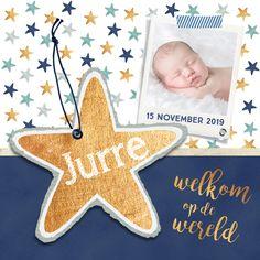 HipDesign geboortekaartje met donkerblauw en gouden sterren. Super lief met eigen foto.