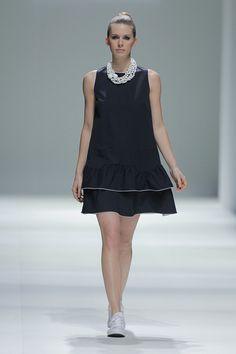 Tot-hom_SS15_22 #tothom #tot-hom #pretaporter #lineaa #modamujer #moda #fashion #desfile #ss15 #Barcelona #Madrid #tendencia #streetstyle #model #modelo #sneaker #estampado #colorpastel #pantalonpitillo #pantalontobillero #vestido Tot Hom, Ss 15, Madrid, Zen, Barcelona, High Neck Dress, Women's Fashion, Casual, Dresses