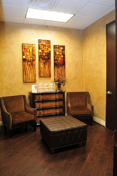 Plastic surgery waiting area | Skin Care Conference Room