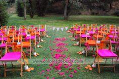 Ceremonia naranja y fucsia Wedding ceremony. Orange and hot pink #bodascdb