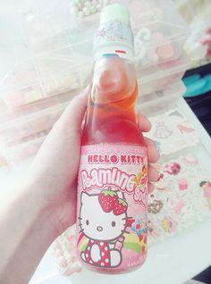 strawberry flavored hello kitty ramune ♥ I LOVE Japanese soda! Japanese Drinks, Japanese Candy, Japanese Sweets, Cute Japanese, Japanese Food, Cute Snacks, Cute Desserts, Cute Food, Box Kawaii