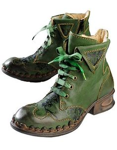 Rovers Esta, green - Ankle Boots - Deerberg by Adrienne Marie Randolph Singleton - Schuhe Cute Shoes, Me Too Shoes, Crea Cuir, Green Ankle Boots, Estilo Hippie, Shoe Boots, Shoe Bag, Character Outfits, Aesthetic Clothes