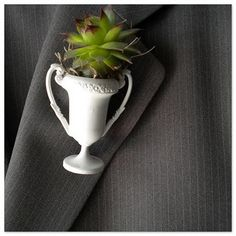 Adorable and easy trophy boutonniere for the Kentucky Derby.