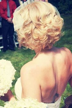 Love her hair! Bride looks absolutely stunning with this incredible curly wedding hairstyle! Perfect for short hair as the length adds to the feel of this incredible photo! Wedding Hair And Makeup, Wedding Beauty, Hair Makeup, Up Hairstyles, Wedding Hairstyles, Short Wedding Hair, Wedding Looks, Bridesmaid Hair, Hair Dos