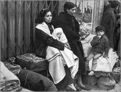 Réfugiés espagnols sur la route de l'exode 1939