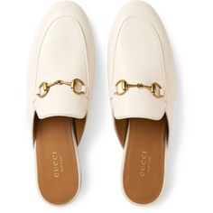 Gucci Princetown Leather Slipper (4.260 DKK) ❤ liked on Polyvore featuring shoes, slippers, flats, zapatos, gucci flats, flat pumps, white leather flats, leather flat shoes and real leather shoes