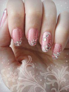 Ida-Marian kynnet / May Day nails / #Nails #Nailart