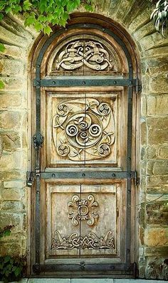 Home Front Door Ideas for Your Inspiration. The entrance gate of the residence is one of many things that many people will talk about. Through this model of the front door, one can learn how to fil… Cool Doors, The Doors, Unique Doors, Entrance Doors, Doorway, Windows And Doors, Door Knockers, Door Knobs, Gates