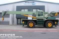 Used telescopic crane available at Pfeifer Heavy Machinery. Item Number PHM-Id 07411, manufacturer GROVE, model RT45/50T, year of construction 1990, hours 18632, loading (lifting) capacity (kg) 45000, fuel Diesel. More cranes at www.pfeifermachinery.com.