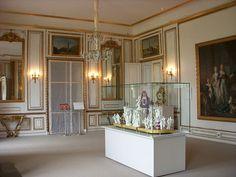 File:Schloss Ludwigslust Speisezimmer.jpg