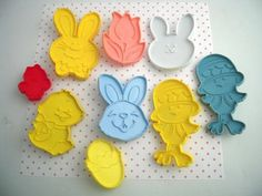 9 Vintage HALLMARK Plastic Cookie Cutters Easter Bunny Rabbits Chicks Egg Tulip